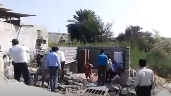 Security forces destroy home of single, unemployed mother in Bandar Abbas
