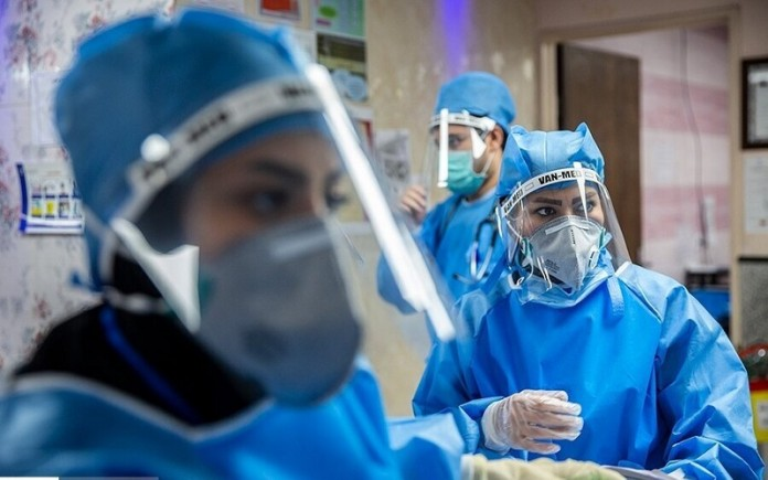 """General Director of Iran's Nursing System Organization Mohammad Mirzabaigi said: """"So far, we have had about 100,000 nurses infected with the coronavirus."""""""