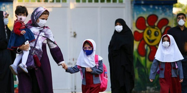 Iranian mothers banned from receiving children's report cards